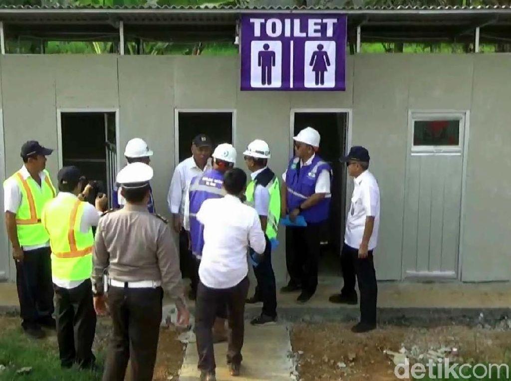 2 Menteri Jokowi Cek Toilet hingga Rest Area di Tol Gratis