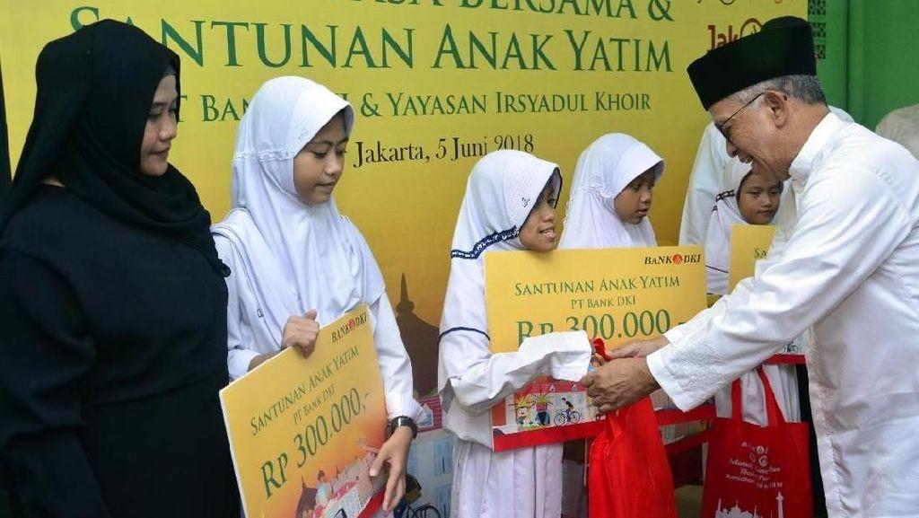 Pemberian Santunan untuk 5.700 Anak Yatim