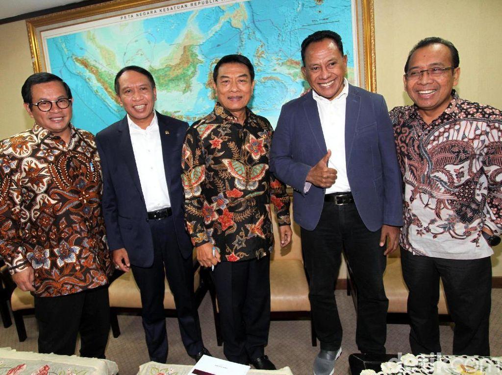 Pratikno, Pramono dan Moeldoko Rapat dengan Komisi II DPR