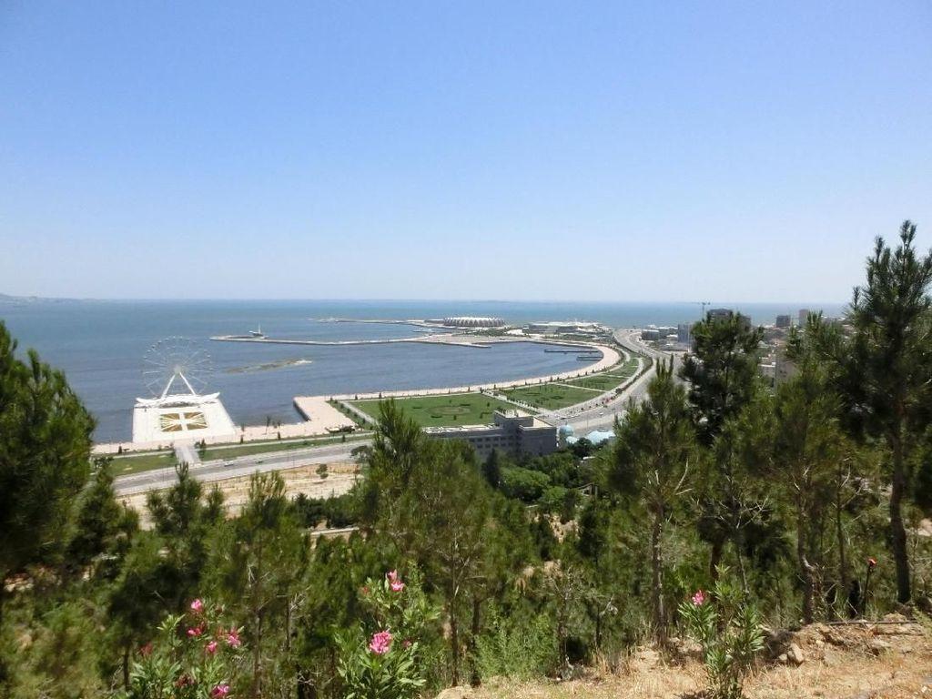 10 Danau Terbesar di Dunia, Ada yang Disebut Laut Lho