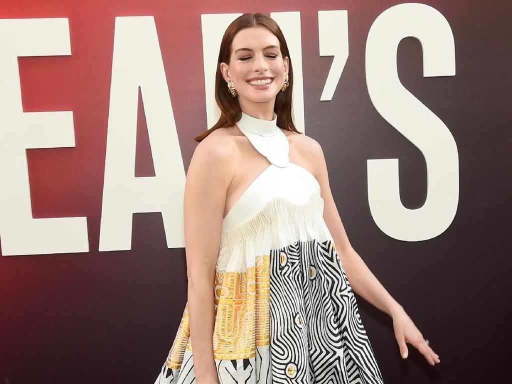 Naskah The Princess Diaries 3 Rampung, Anne Hathaway Tak Sabar Kembali