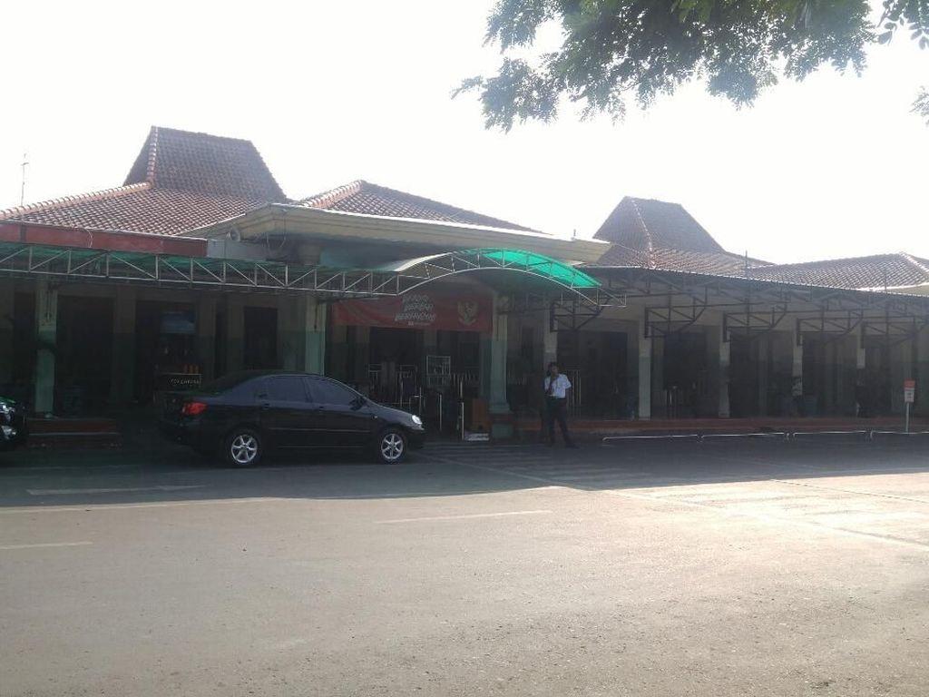 Banyak Penumpang yang Kesasar di Terminal Lama Bandara A. Yani