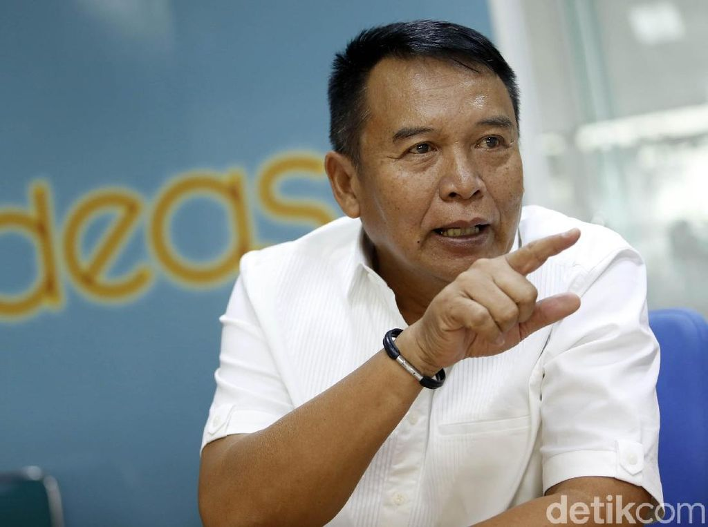 TB Hasanuddin Siap Digebuk Jaksa Agung ST Baharuddin Jika Korupsi