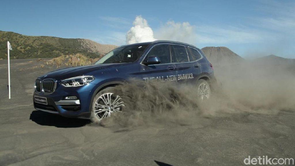 BMW X3 Main Pasir di Bromo