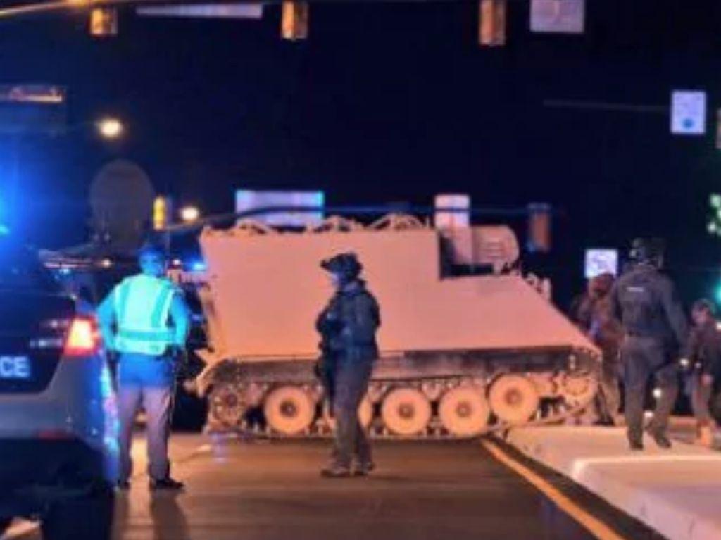 Tank Dicuri dan Dibawa Jalan-jalan Sejauh 100 Km di AS