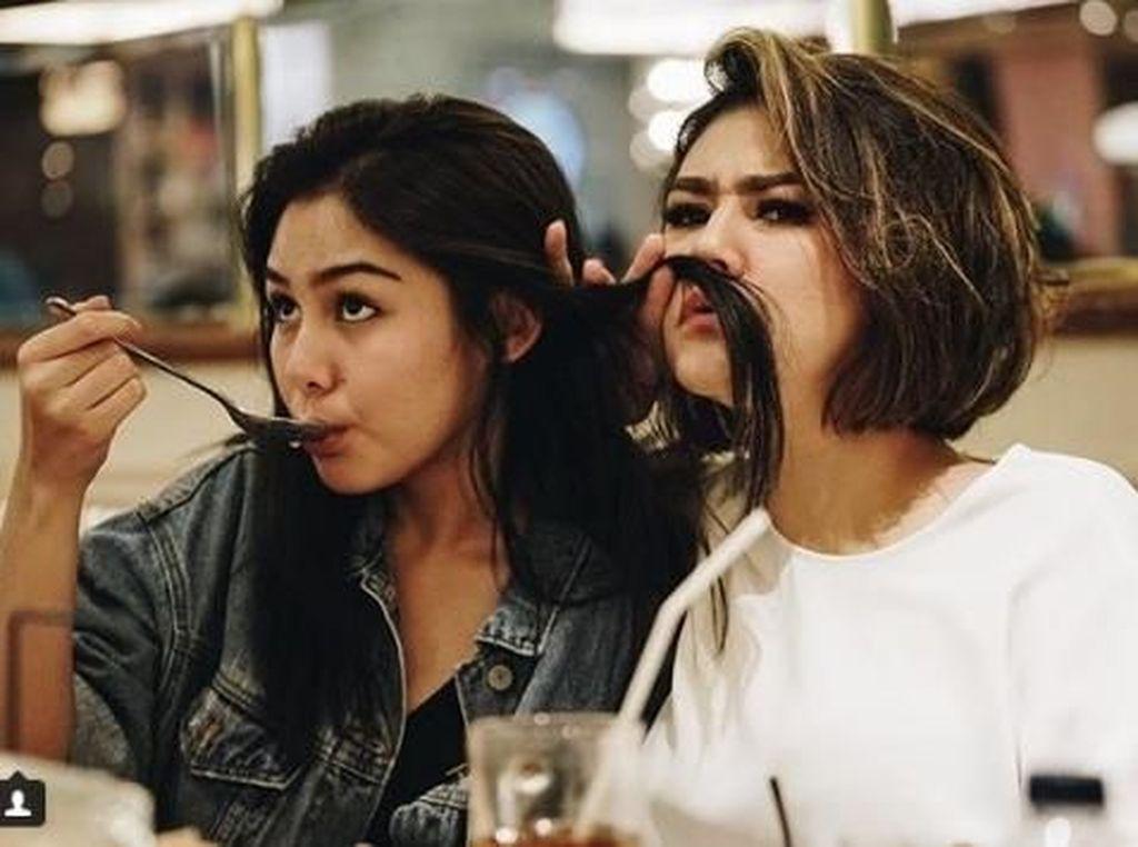 Cerita Vanesha Prescilla dan Sissy Priscillia Jadi Fans BTS