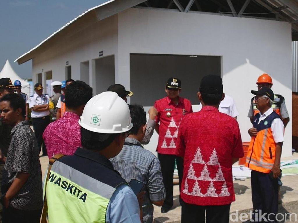 Amankan Mudik, Brimob Jaga Rest Area Sementara Tol Semarang