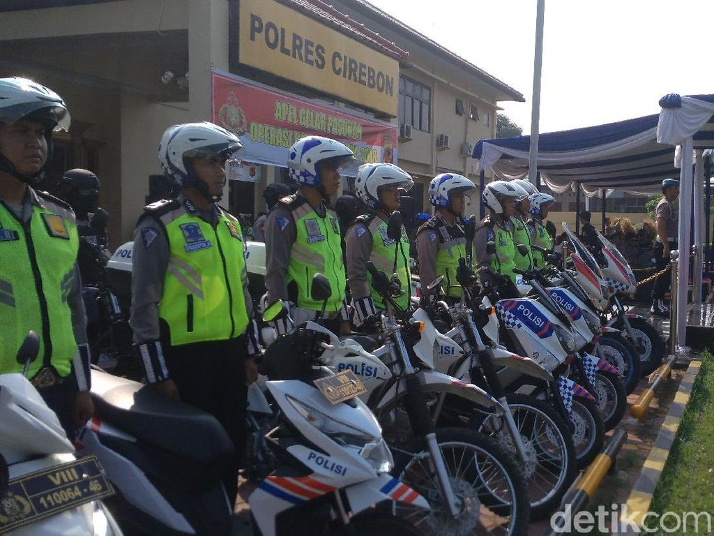 Tim Pengurai Macet Siaga di Jalur Mudik Pantura Cirebon
