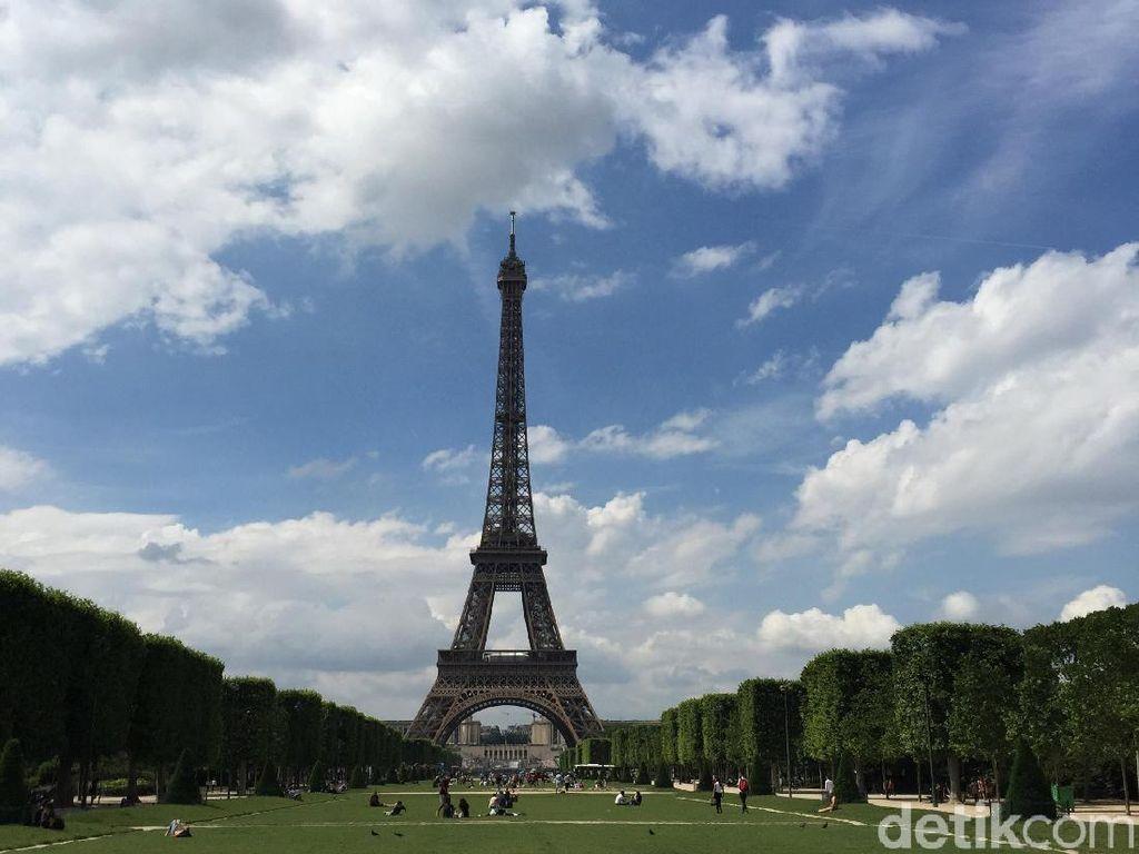 Kota Paris yang Ramai Kini Mati Gegara Corona