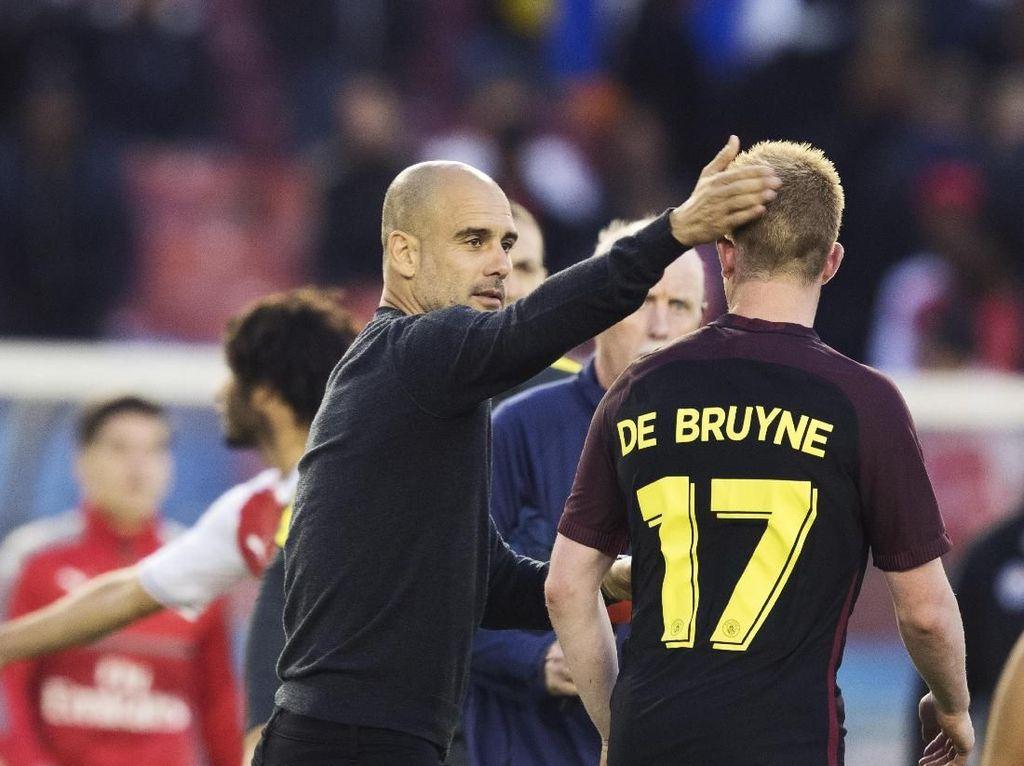 De Bruyne Bela Guardiola dari Tudingan Rasis Yaya Toure