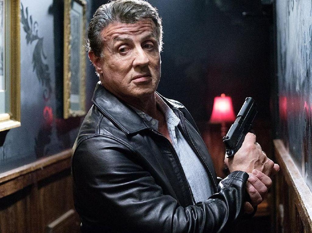 Adrenaline Rush! Sylvester Stallone Beradu Tembak di Klip Escape Plan 2