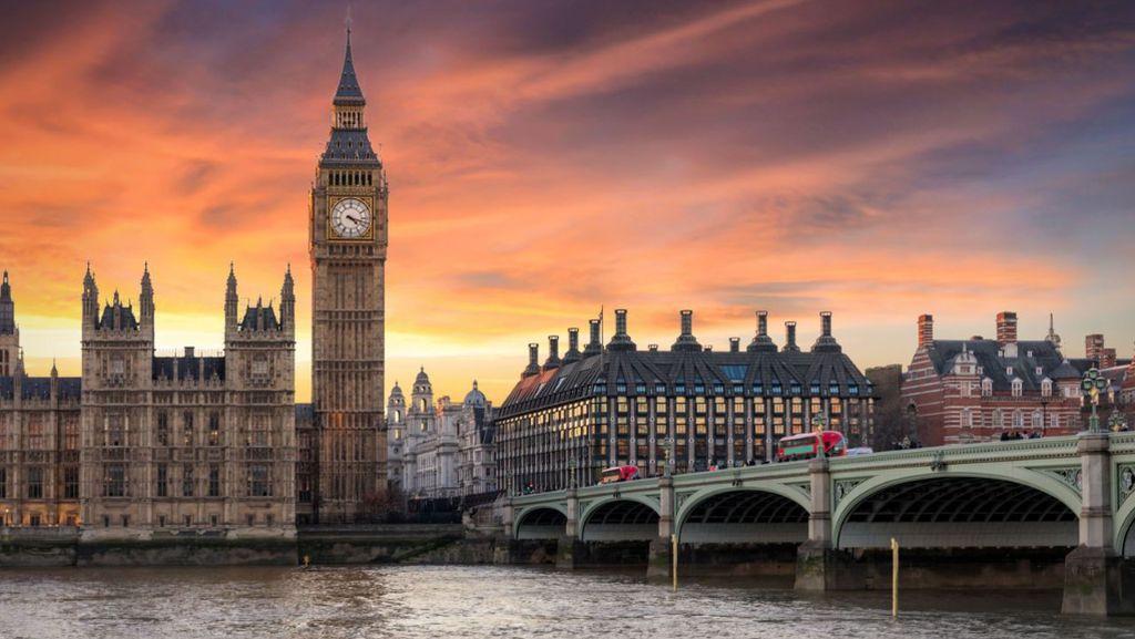 10 Menara Jam Terindah di Dunia