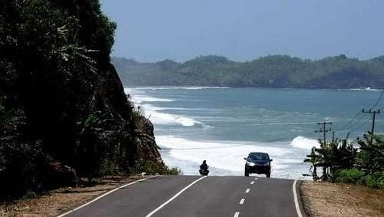 Foto: Great Ocean Road Pacitan (Budi Sugiharto/detikTravel)