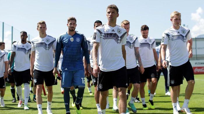 Joachim Loew menyebut status juara bertahan membuat Jerman jadi incaran di Piala Dunia 2018 (Foto: Lisi Niesner/Reuters)