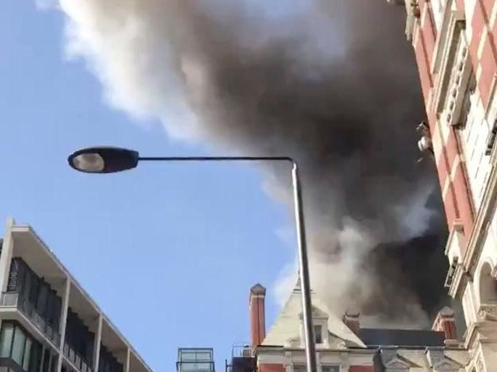 Atap Terbakar, Hotel Mandarin Oriental London Baru Direnovasi