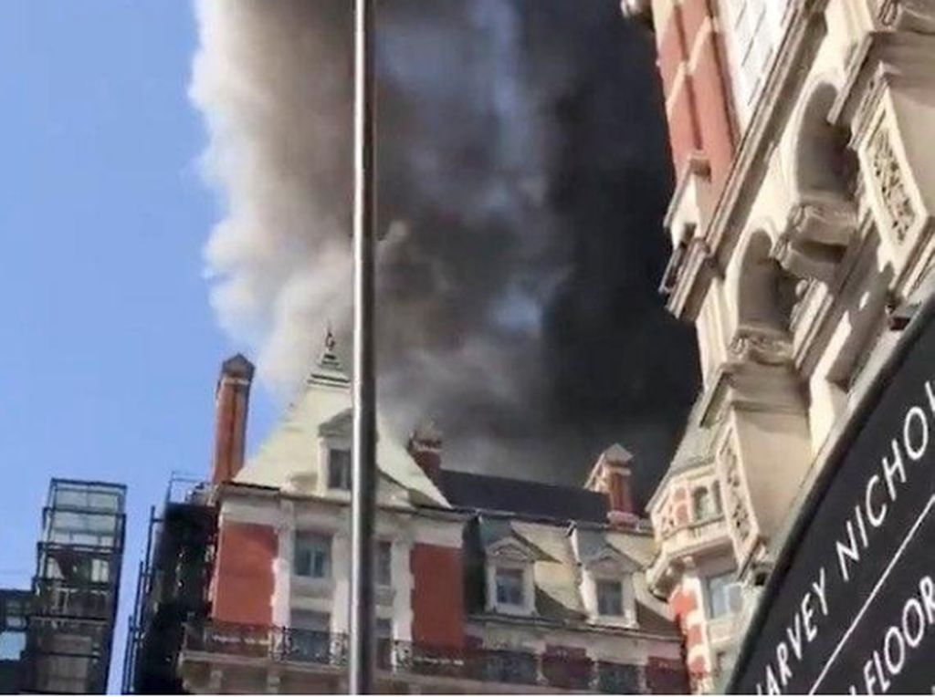 Hotel Mandarin Oriental di London Kebakaran