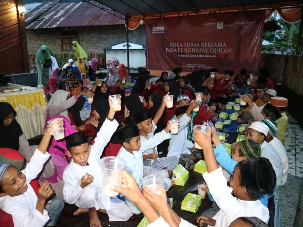 Keceriaan Para Penghafal Quran dari Timur Indonesia saat Berbuka