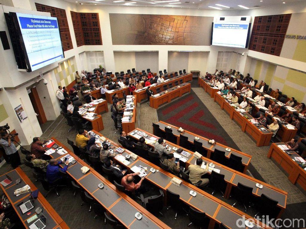 DPR Setuju Subsidi Solar Naik hingga Rp 2.000/Liter