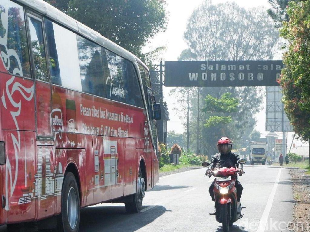Polres Wonosobo Pasang Rambu Khusus di Jalur Mudik Berkabut