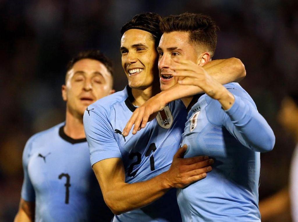 Abaikan Rumor ke Real Madrid, Gimenez Fokus Piala Dunia 2018