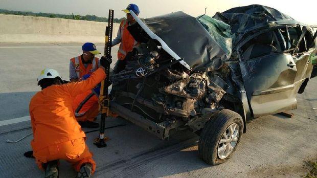 Kondisi mobil yang mengalami kecelakaan