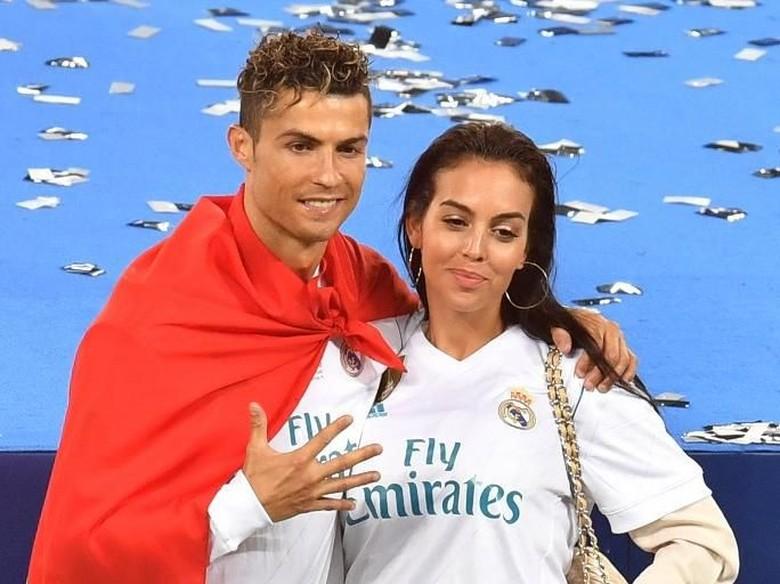 Cristiano Ronaldo Segera Nikahi Georgina?