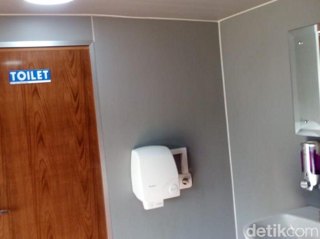 Toilet Umum Kotor, Sebaiknya Tetap Pipis atau Ditahan Saja Ya?