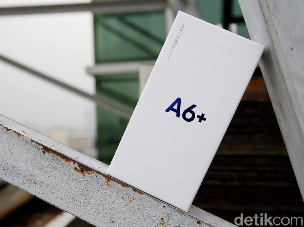 Unboxing Samsung Galaxy A6+