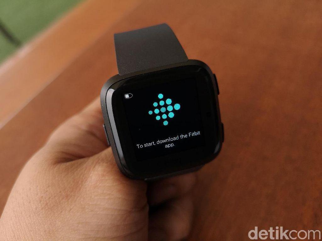Unboxing Smartwatch Terbaru Fitbit di Jakarta