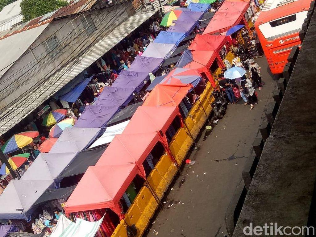 Foto: Weekend Jelang Lebaran, Tanah Abang Masih Sepi