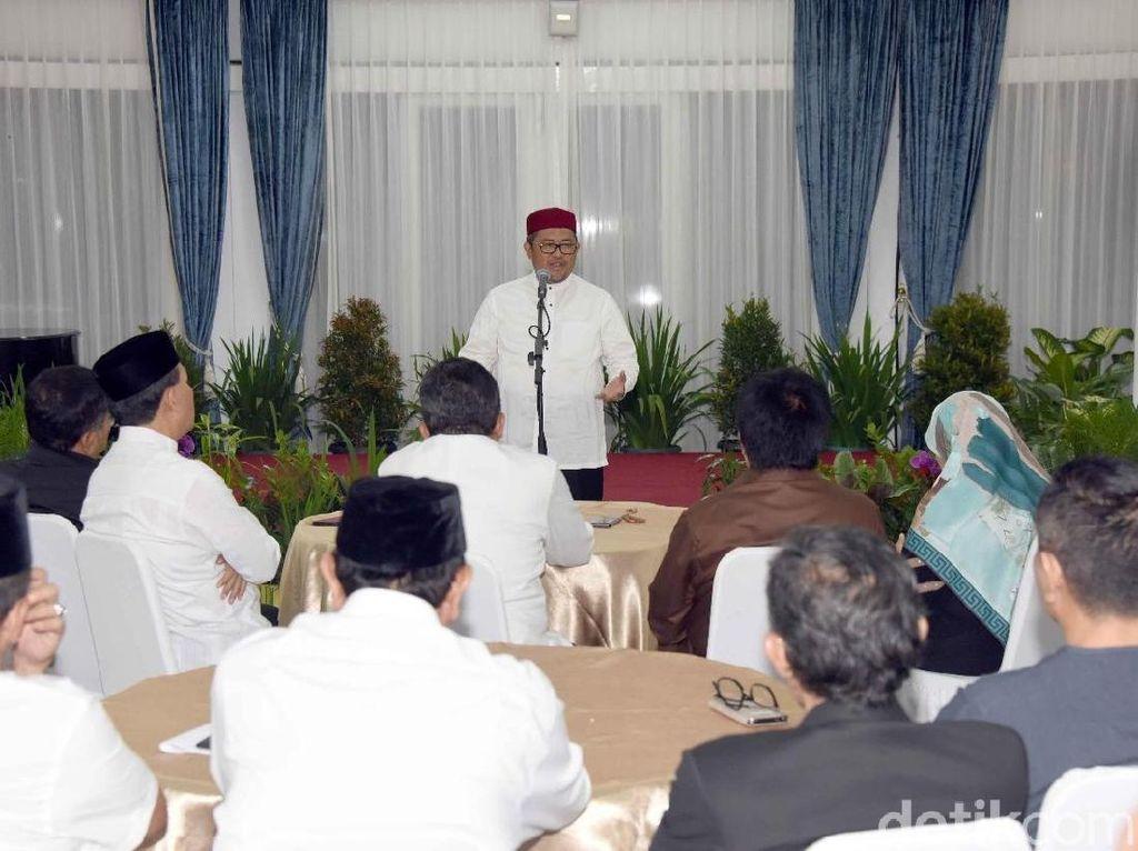 Sahur Bersama dengan Kepala Dinas, Aher Pamitan dan Minta Maaf