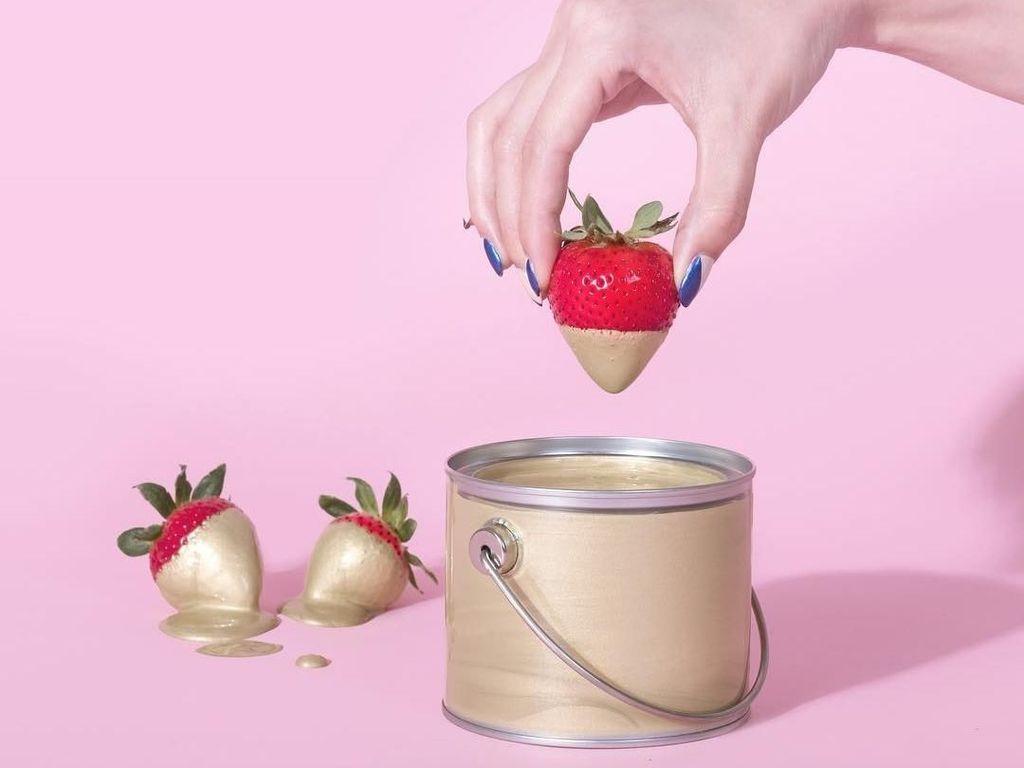 Visual Artist Ini Ciptakan Seni Visual Melalui Makanan dan Buah-Buahan