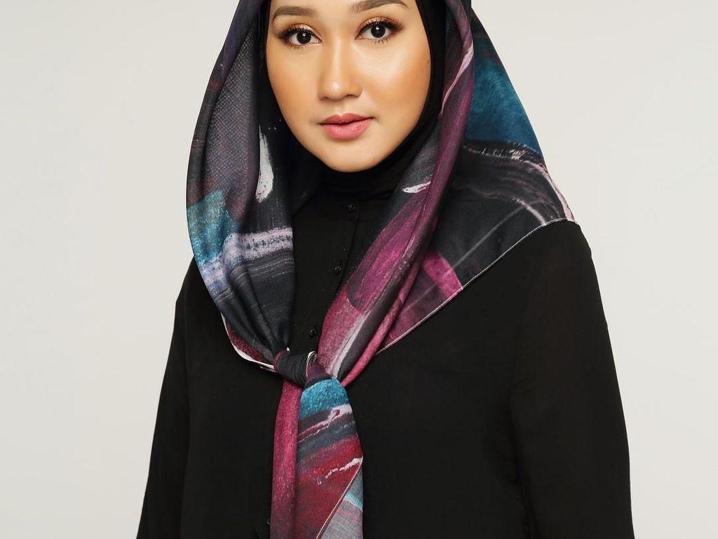 Tips Pilih Busana untuk Datang ke Kajian Islami Ala Dian Pelangi
