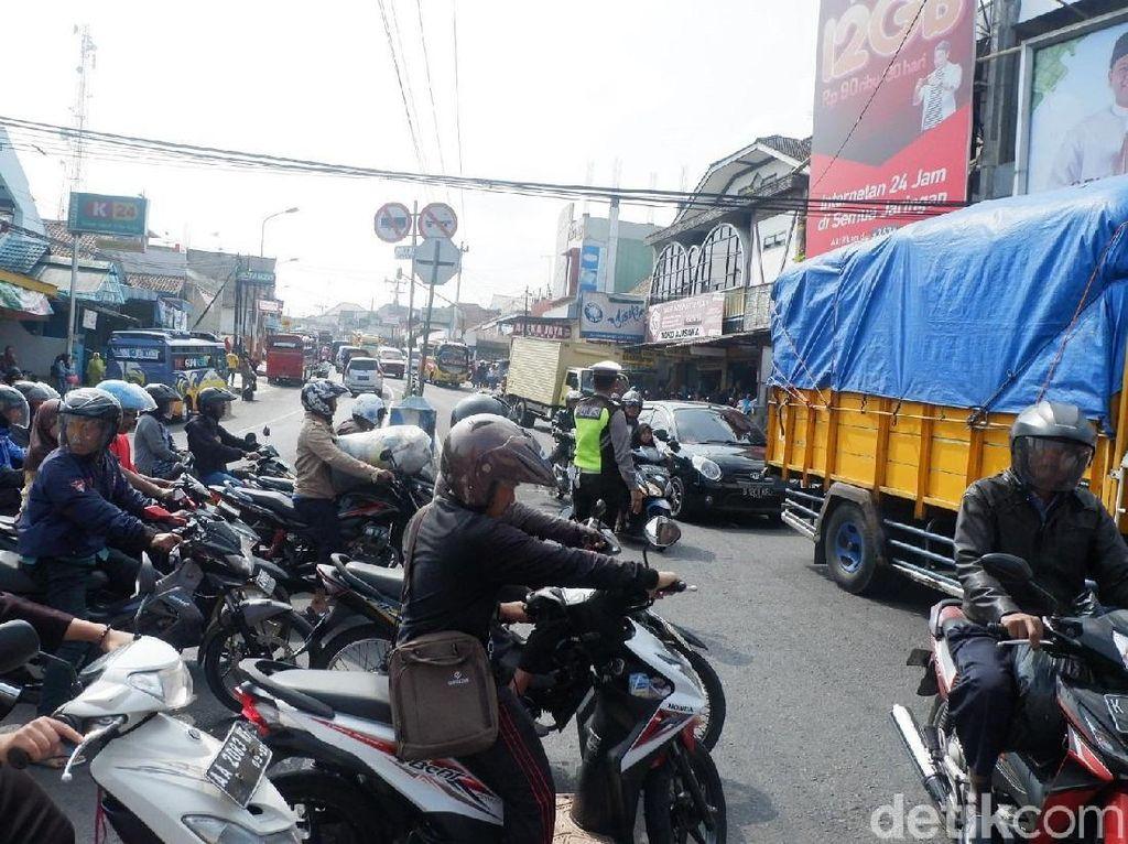 Hati-hati , Awas Ada Pasar Tumpah di Wonosobo