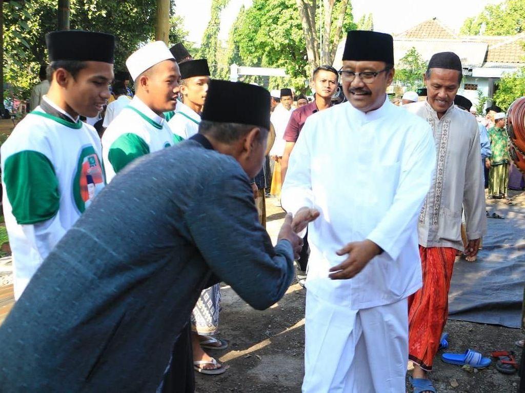Ribuan Alumni Ponpes Nurul Qodim Sepakat Dukung Gus Ipul