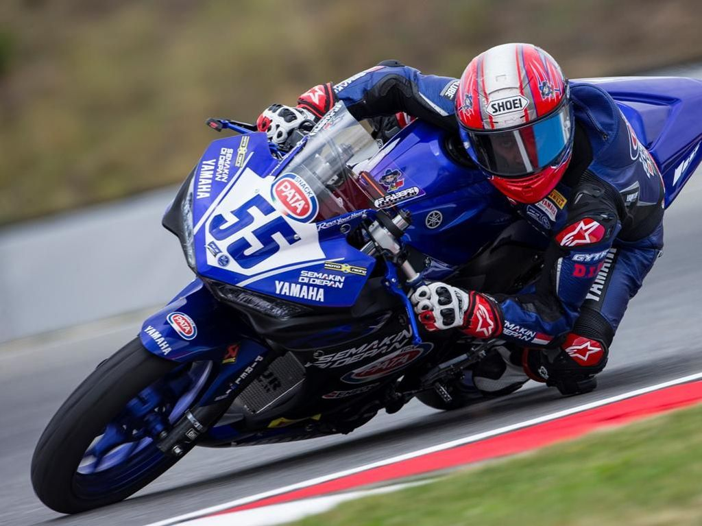 Galang Hendra Raih Pole Position di World Supersport 300 Ceko