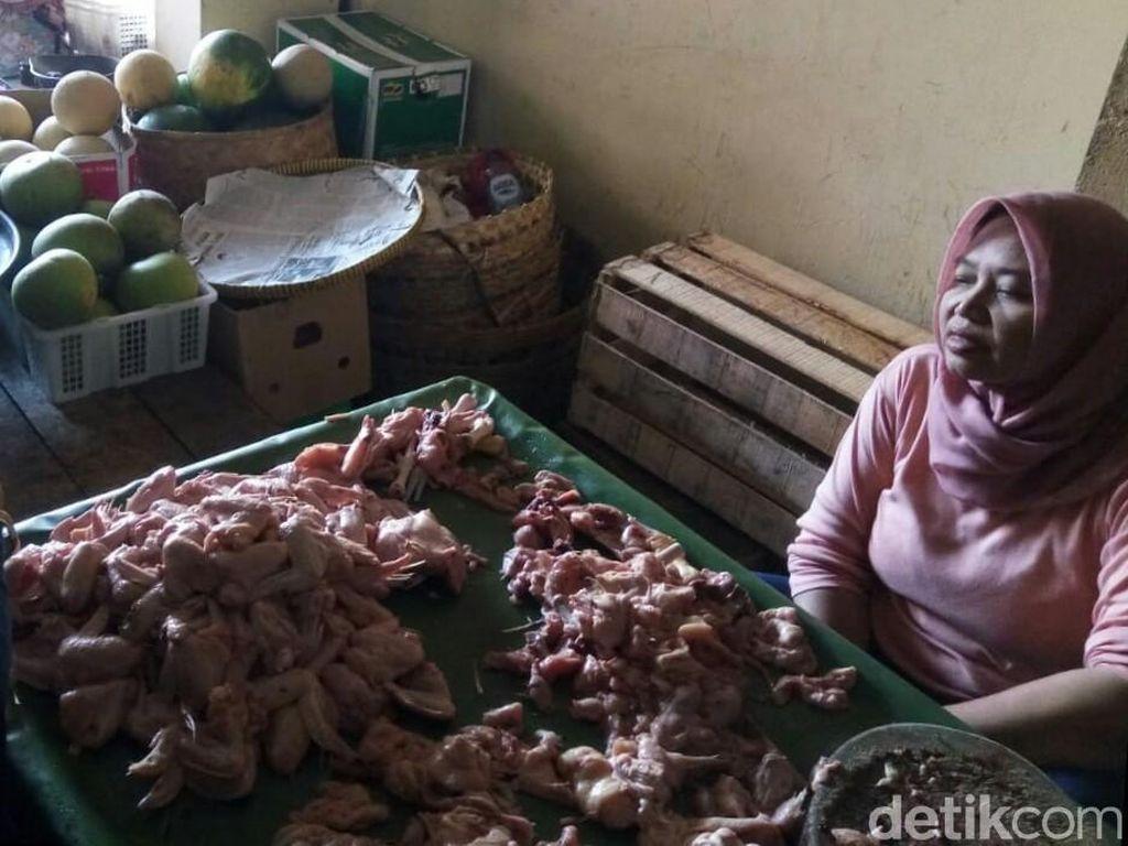 Terus Naik, Harga Daging Ayam di Pasar Legi Solo Rp 38 Ribu/Kg