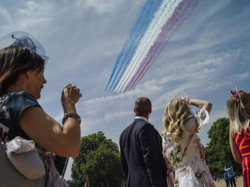 Atraksi Udara Pesawat-pesawat Kerajaan Inggris di Pertemuan G7