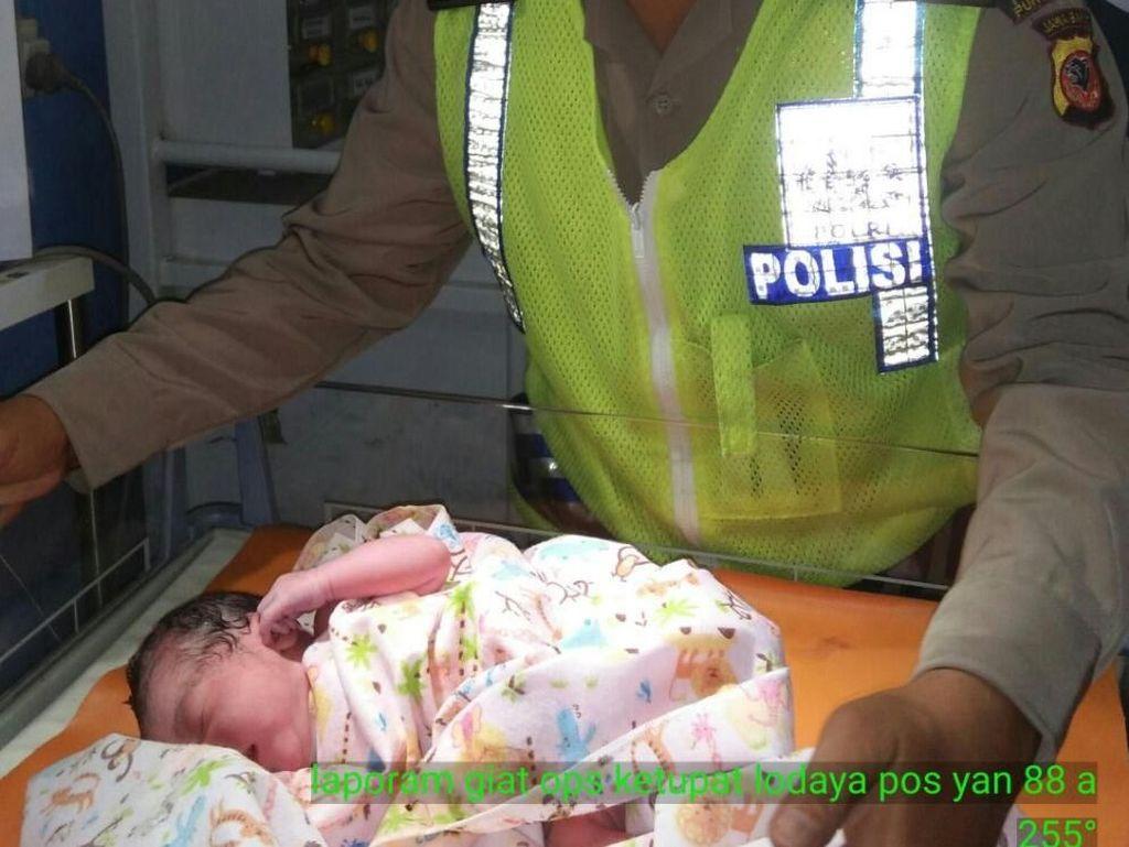 Kisah Pemudik Melahirkan di Tol Purbaleunyi dan Ditolong Polisi