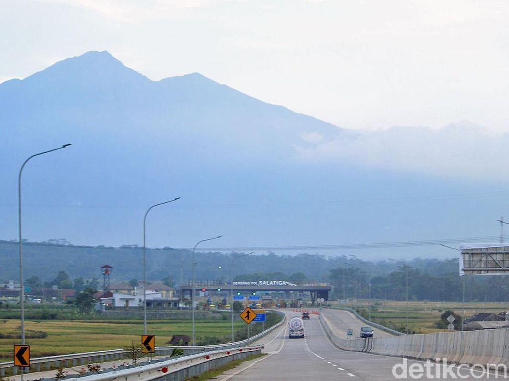 Foto: Panorama Jalan Tol yang Disebut Terindah di Jalur Mudik