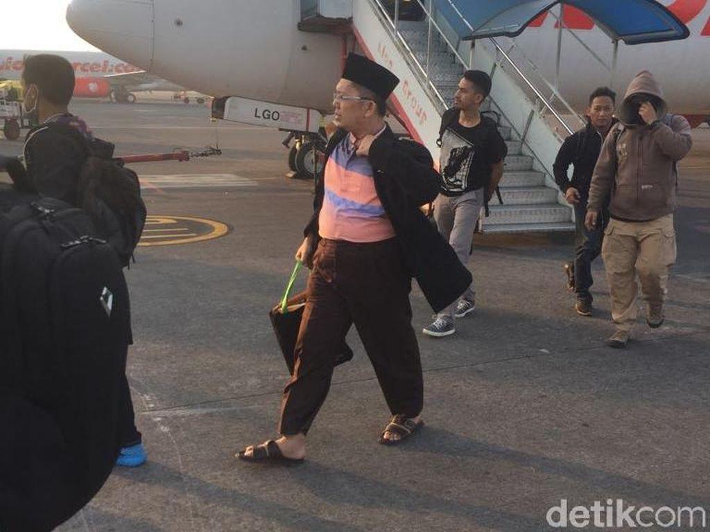 Foto: Proses Eksekusi Alfian Tanjung ke Lapas Porong