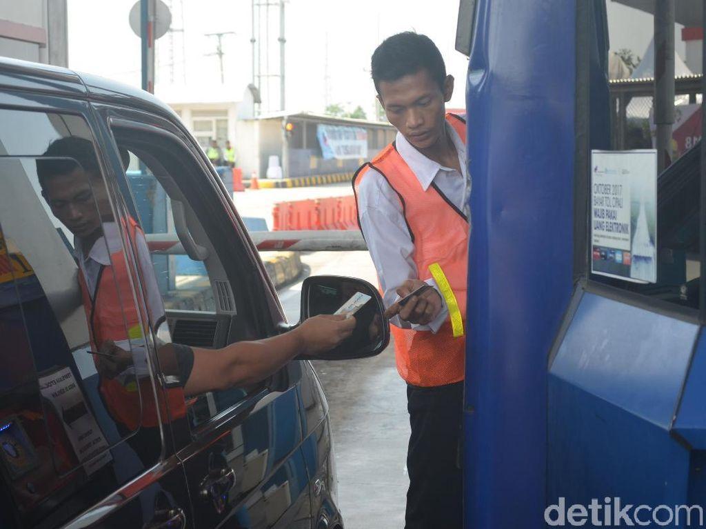 Kartu e-Toll Efektif Urai Antrean di GT Palimanan