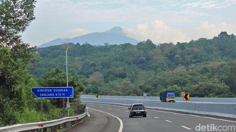 Panorama Jalan Tol yang Terindah di Jalur Mudik