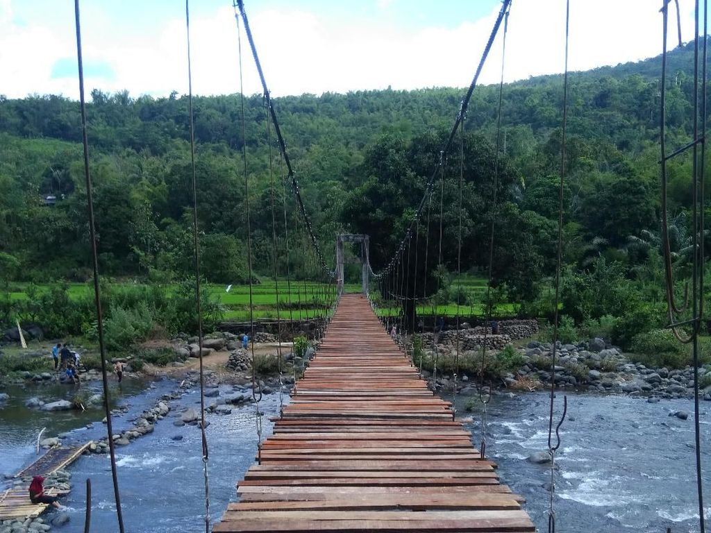 Akhirnya Jembatan Maros Terbentang, Tinggal Finishing Talud
