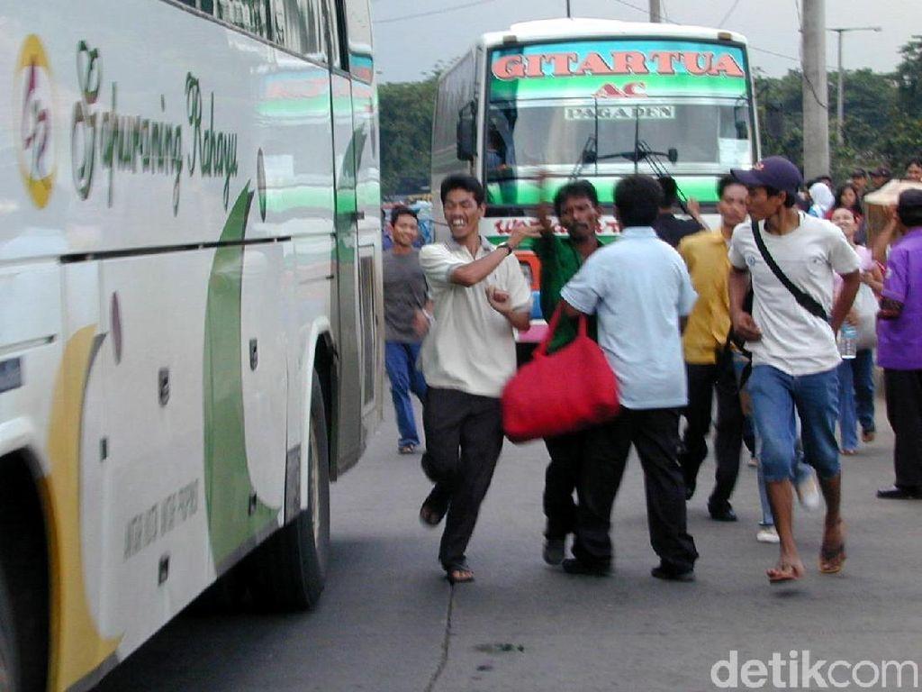 Terminal Lebak Bulus Dibongkar Buat MRT, Angkutan Umum Semrawut