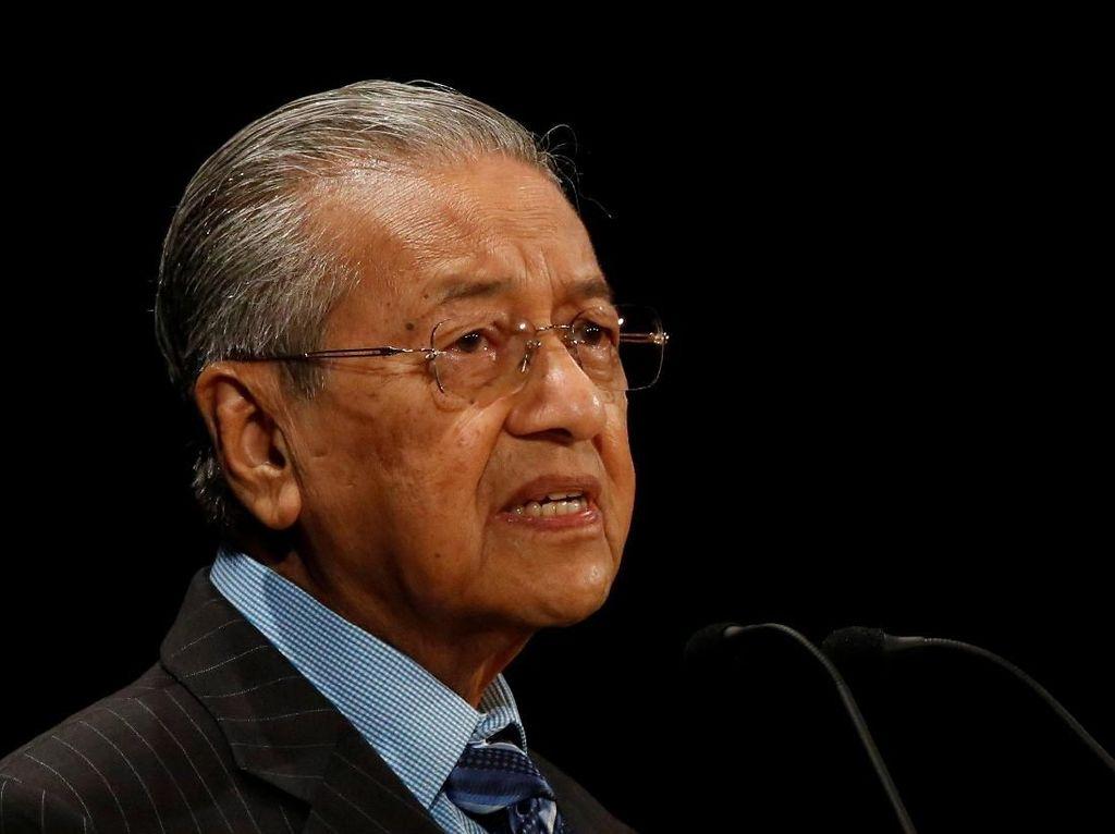 Ditanya Soal Janji Serahkan Jabatan ke Anwar Ibrahim, Ini Kata Mahathir