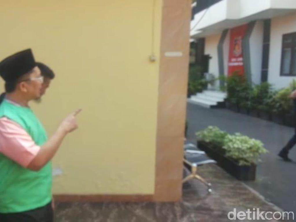 Pakai Rompi Hijau, Alfian Tanjung Dieksekusi ke LP Porong