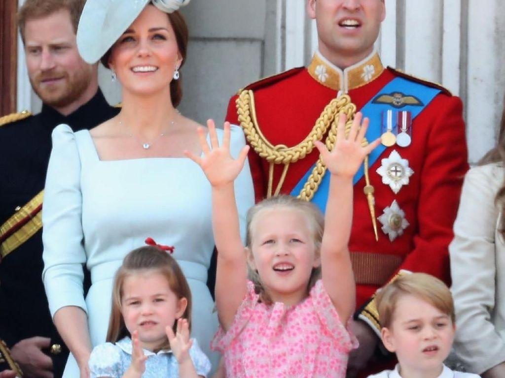 Savannah Phillips, Sepupu Pangeran George Curi Perhatian di Ultah Ratu