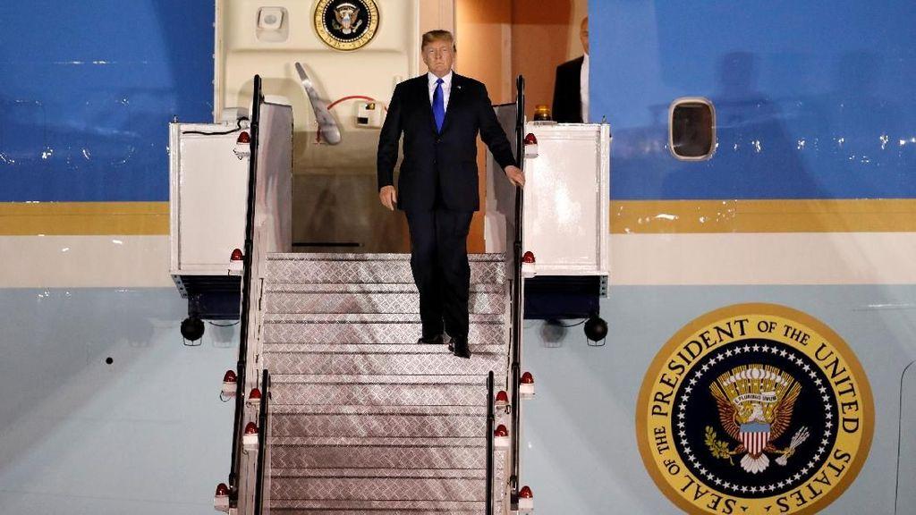 Trump Tiba di Singapura Jelang Pertemuan dengan Kim Jong Un