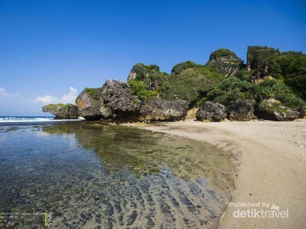 Foto: Mudik ke Gunungkidul, Mainnya ke Pantai Siung